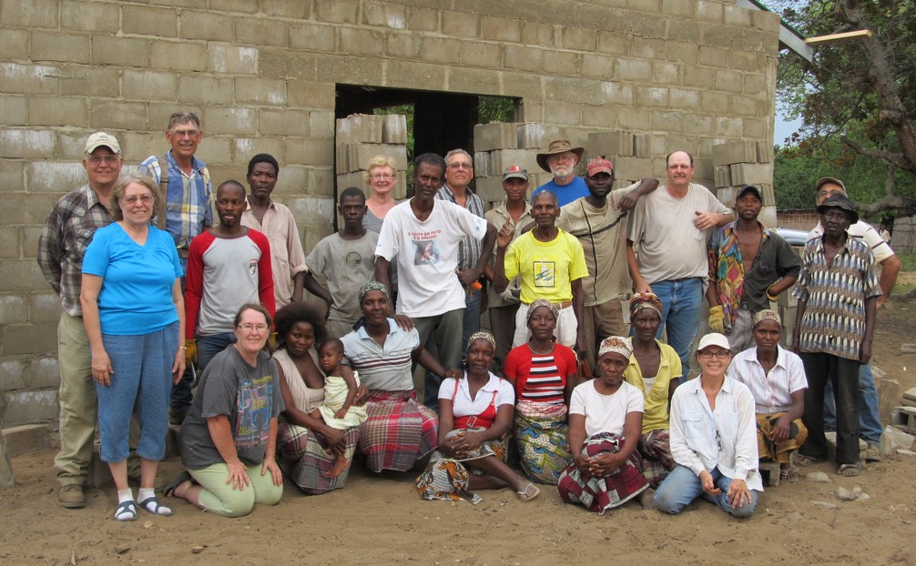 10 our Kansas team and the people of Njakazane we worked with